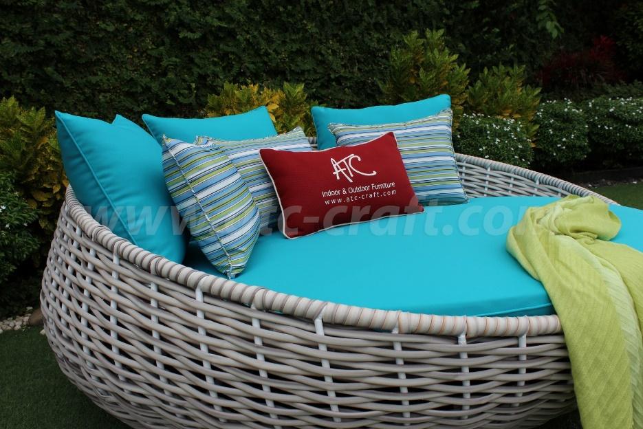Sử dụng các loại vật liệu chuyên dụng ngoài trời cho ghế tắm nắng