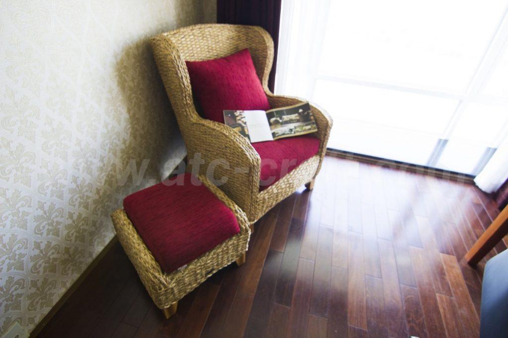Góc nhỏ trong nhà được trang trí với nội thất gia đình lục bình