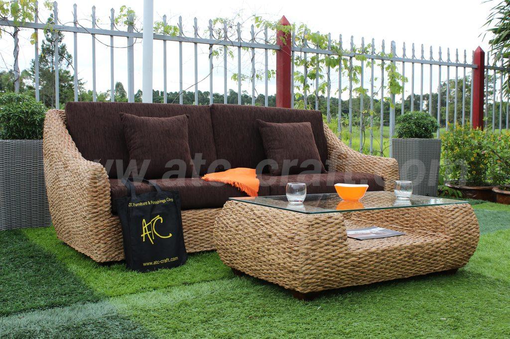 Bộ sofa lục bình mang lại vẻ sang trọng cho khu vực tiếp khách