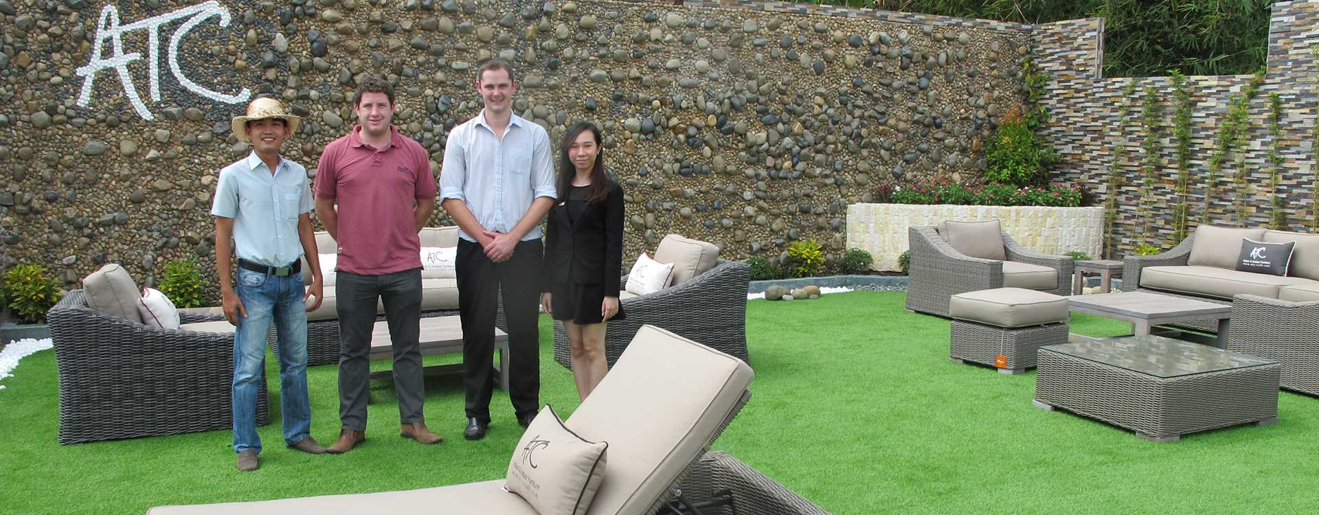 ATC Outdoor Wicker Furniture Manufacturer Client Visits Factory