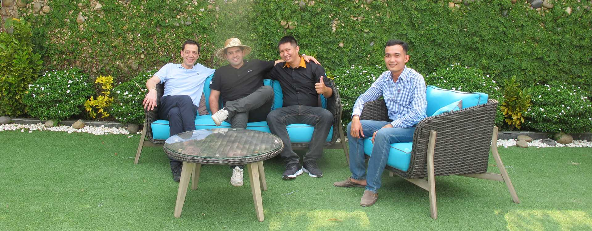 Wicker Patio Furniture Manufacturer Customer Visits Factory